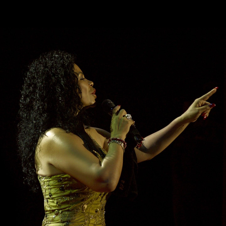 Eva Ayllon in Concert
