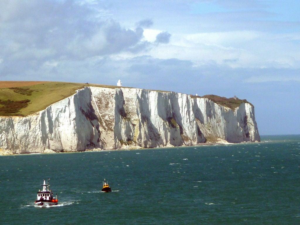 White_Cliffs_of_Dover_02.jpg